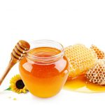 喉のイガイガは蜂蜜で治す!痛み解消には最適です。